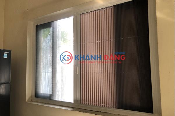 Lắp đặt Cửa lưới chống muỗi kết hợp rèm chống nắng,